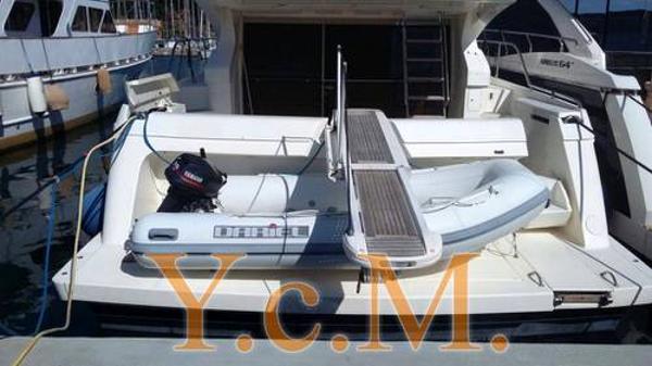 Ferretti Yachts 620