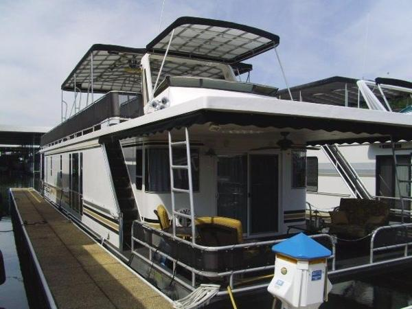 Horizon 16 x 70 Houseboat
