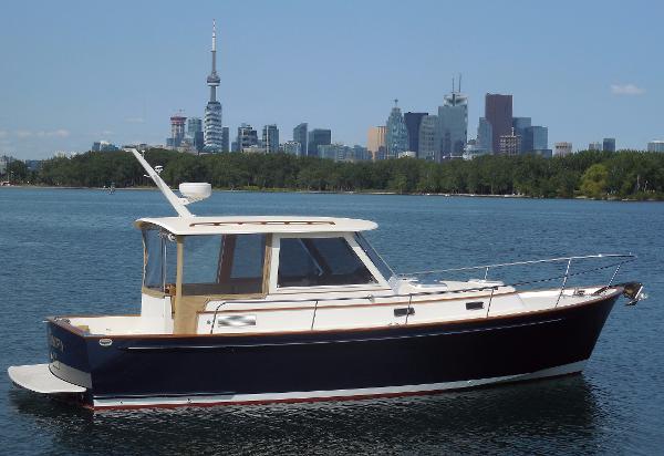 Bruckmann B34 Starboard profile