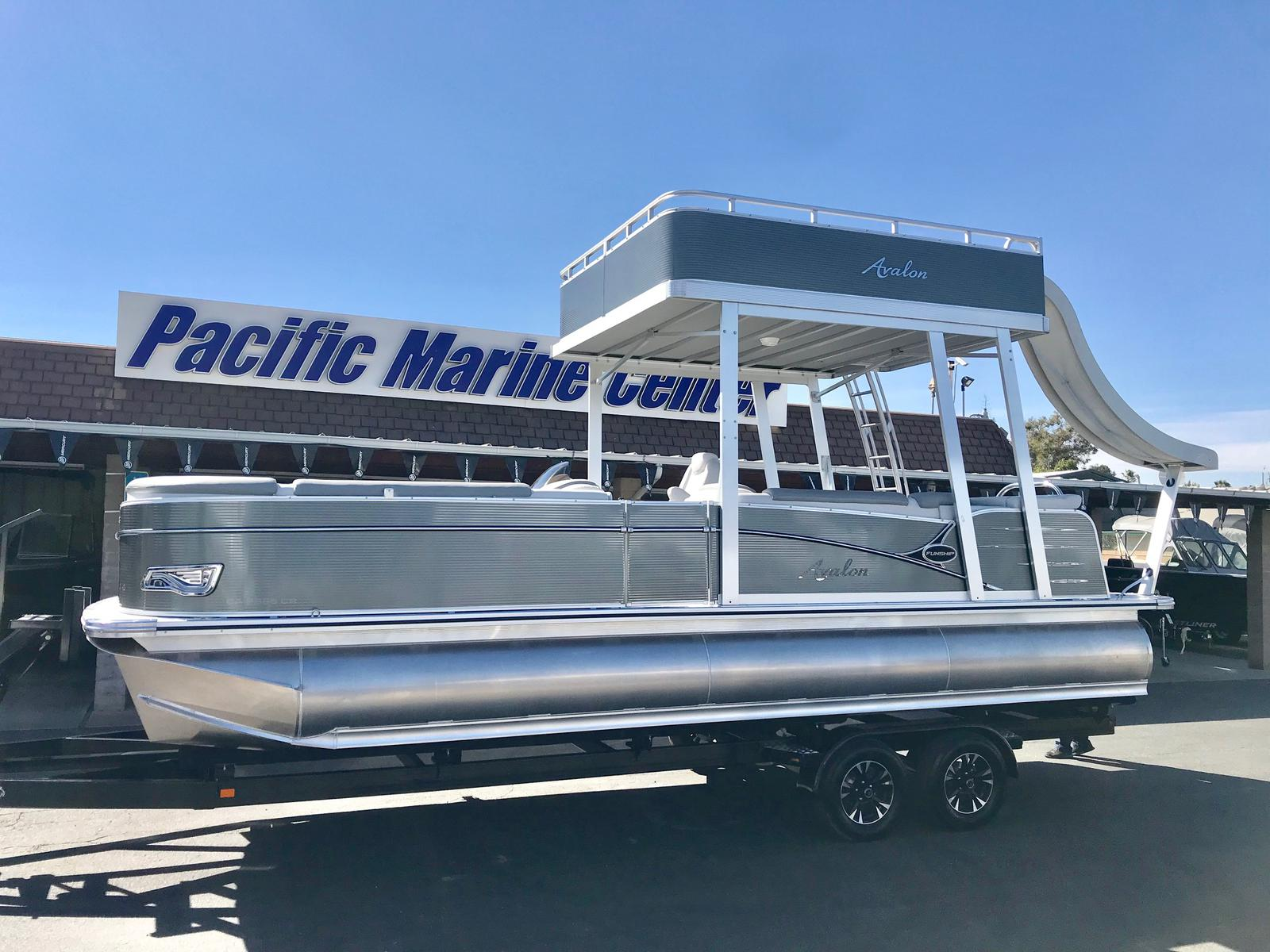Avalon Catalina Cruise Funship 25' - 150HP Mercury