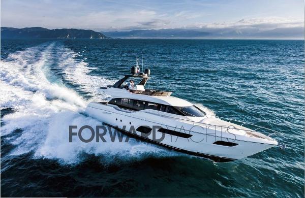 Ferretti Yachts 700 1
