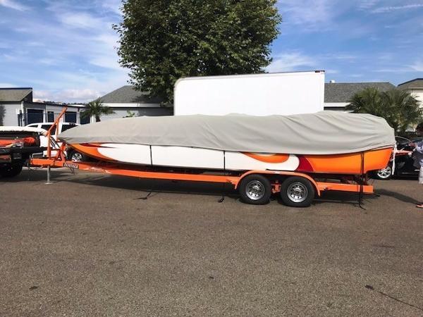 Domn8er 25 deck boat