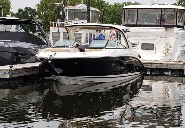 Sea Ray 350SLXN