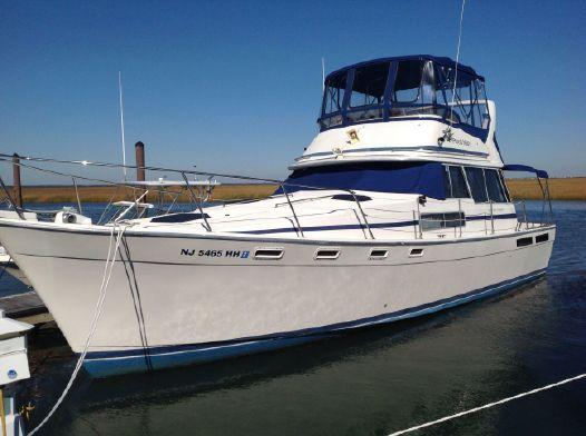 Bayliner 3870 Motoryacht Profile