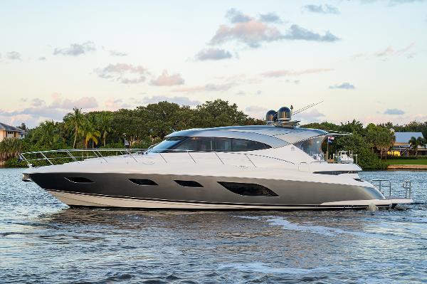 Riviera 6000 Sport Yacht Platinum Edition Profile