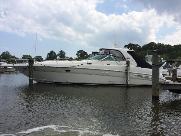 Sea Ray 460 Sundancer Port View