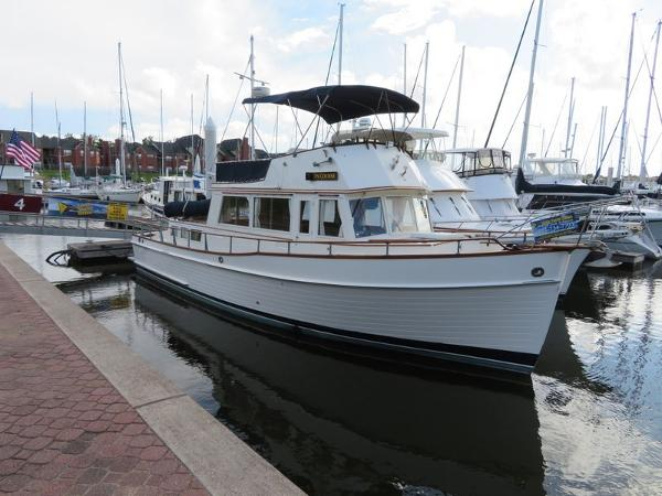 Grand Banks 42 Classic Classic Lines New Paint from Waterline to Flybridge