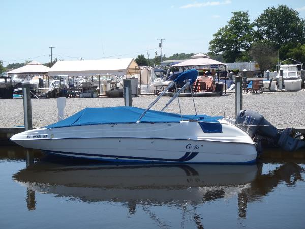 Cobia 226 Coastal Deck