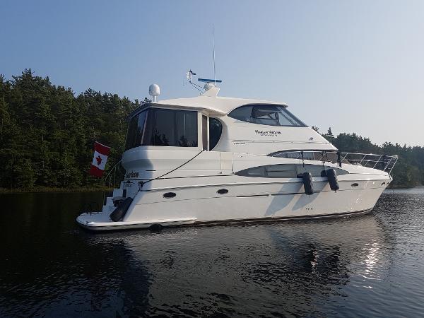 Carver 506 Motor Yacht 2000 Carver 506 at Anchor on Georgian Bay