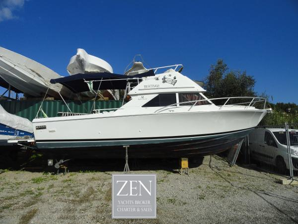 Bertram 28 Flybridge CRUISER