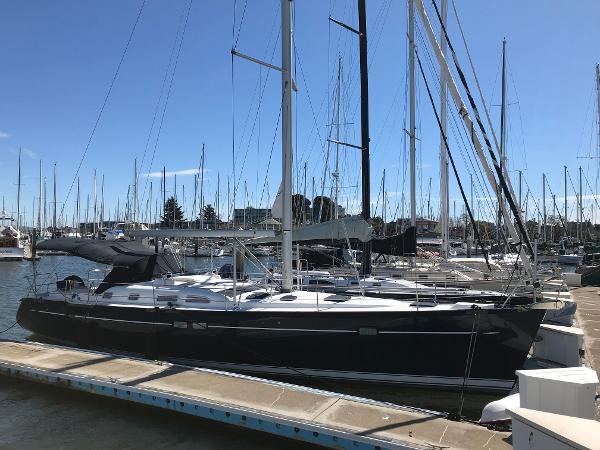 Beneteau 473 Blue hull