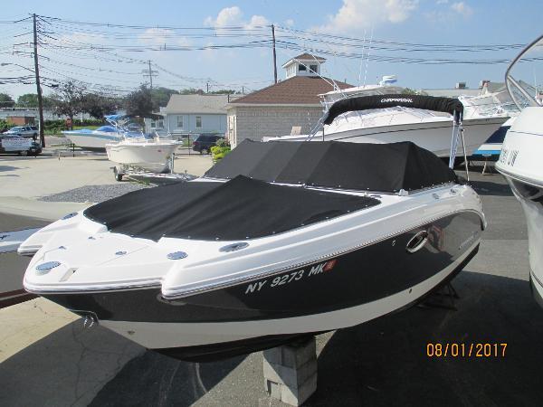 Chaparral 224 Sunesta Best Boat
