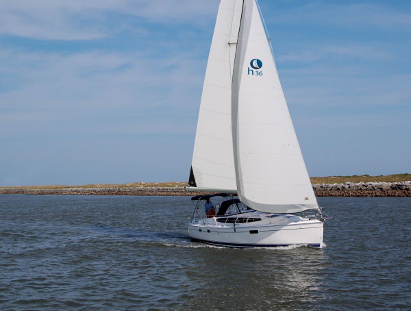 Hunter Hunter e36 Sailing
