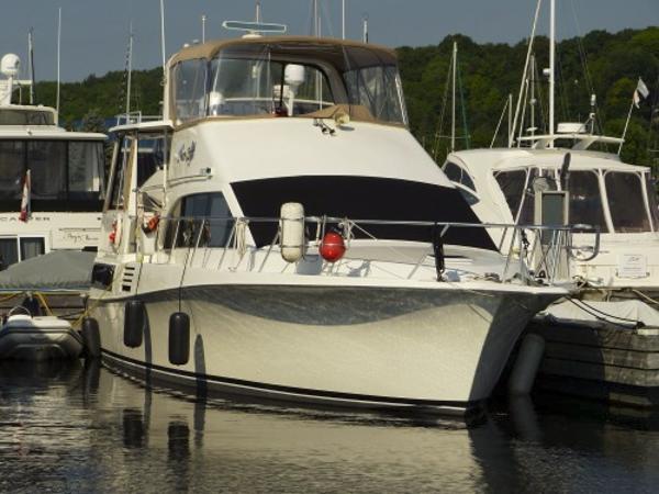 Ocean 48 Cockpit Motor Yacht