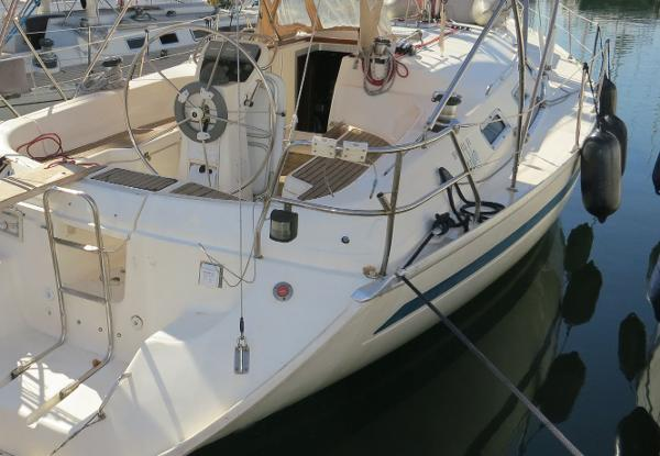 Bavaria 41 Holiday Bavaria Holiday 41 for sale in Greece by Alvea Yachts