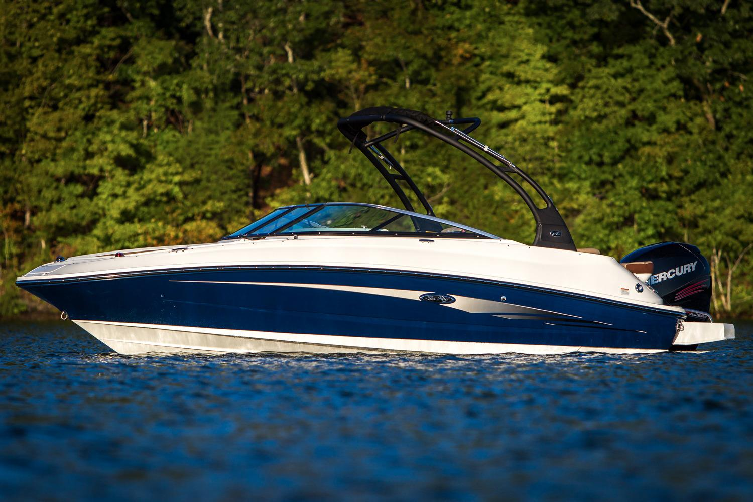 Sea Ray SDX 220 Outboard Manufacturer Provided Image