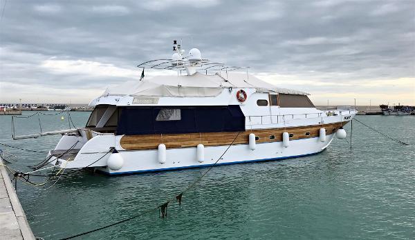Custom Cantiere Navale Azzurro Navetta Azzurro 74 Image 1