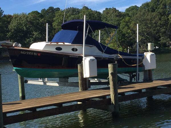 Mathews Brothers Bay Cruiser 22