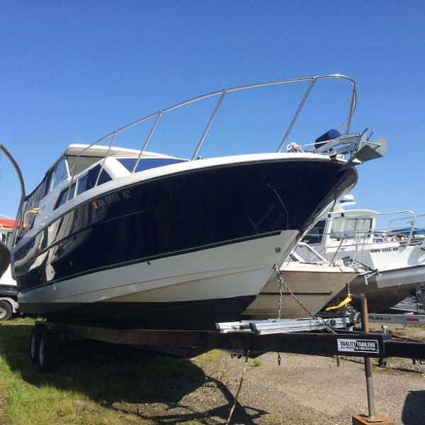 Bayliner Discovery 289