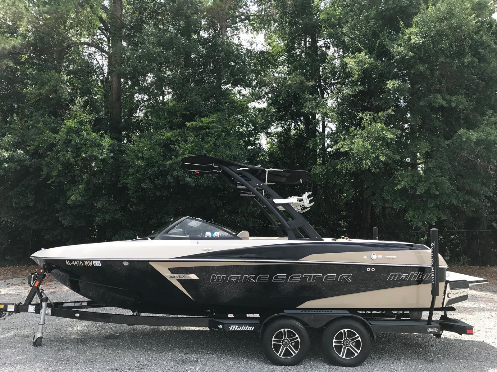 Malibu Boats LLC 22 VLX