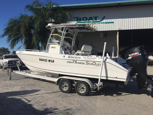 Sea Quest 2350 Center Console SKA