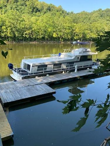 King's Craft Houseboat