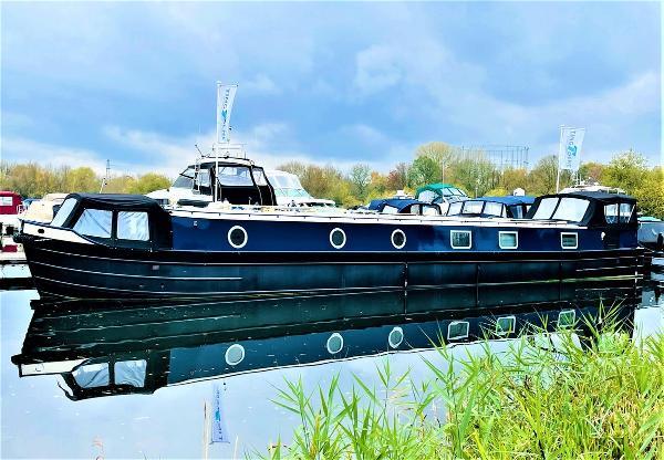 Wide Beam Narrowboat Colecraft 66x10 04  2 Bedroom