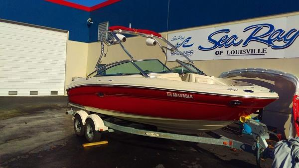 Sea Ray 200 Bowrider Select