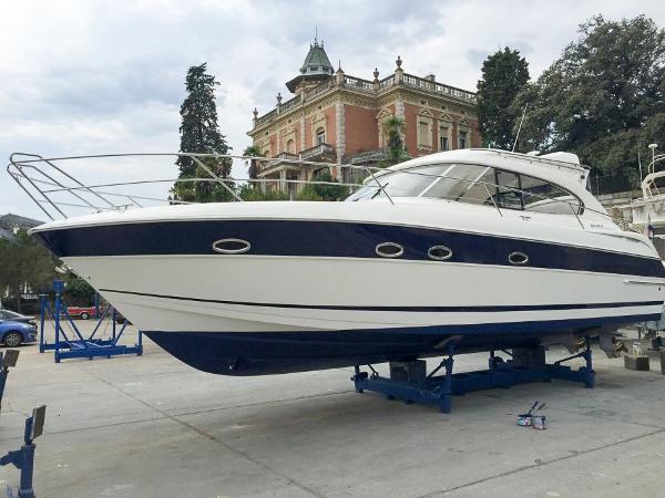 Bavaria Motor Boats 37 Sport HT