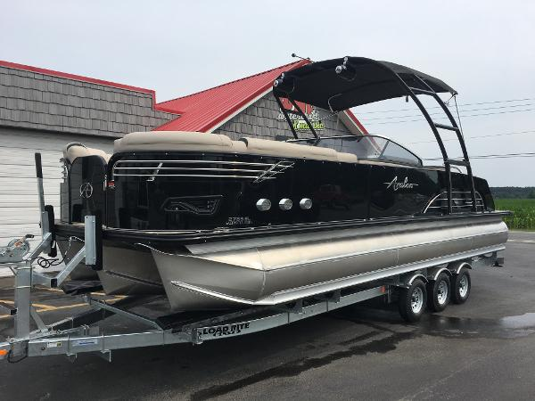 Avalon Ambassador Elite Windshield - 27'