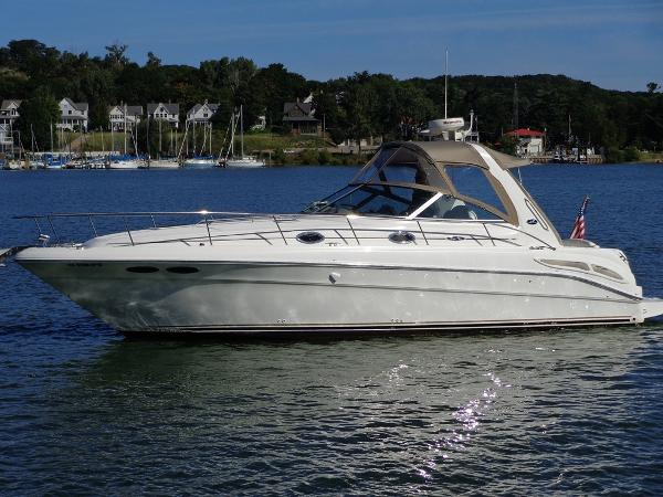 Sea Ray 340 Sundancer Exterior 1