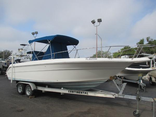 Sea Ray 230 Laguna Center Console