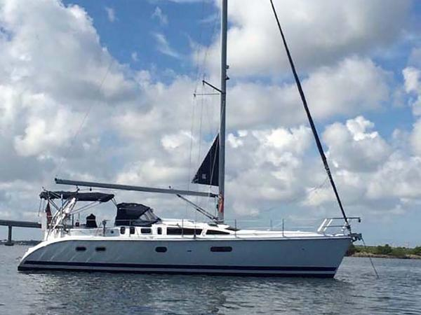 Hunter 410 Profile