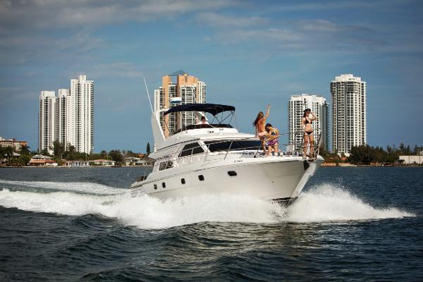 Gulf Craft Sport Flybridge Cruiser