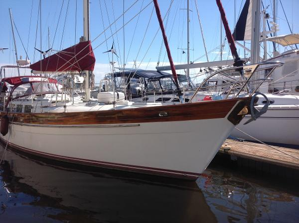 Hans Christian  43 Christina Starboard side bow view