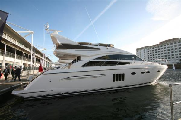 Princess 62 Flybridge General view