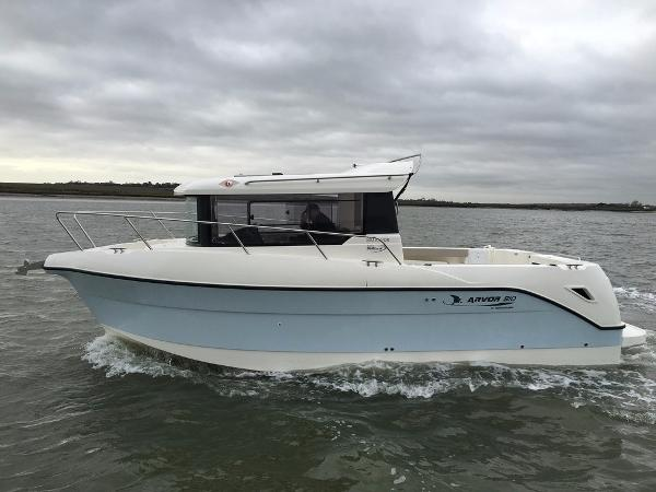 Arvor 810 Pilothouse