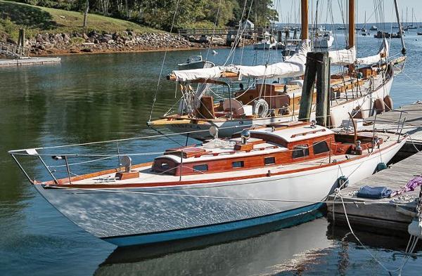 Sparkman & Stephens Classic sloop