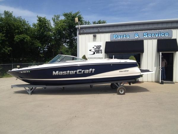 Mastercraft Maristar 215 Open Bow