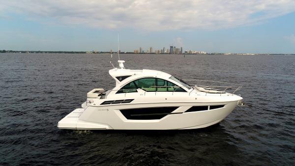 Cruisers Yachts 50 Cantius Cruisers 50 Cantius