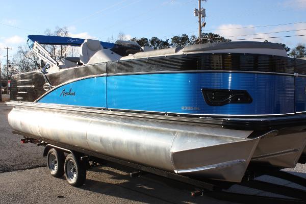 Avalon Catalina Rear Lounger - 23'