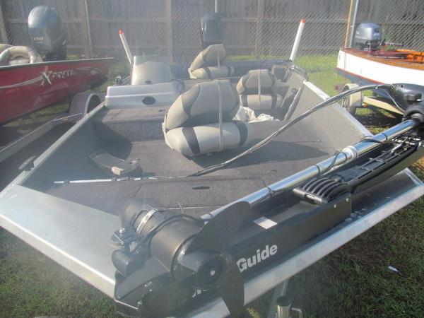 LOWE BOATS Stryker / Skorpion Series 17