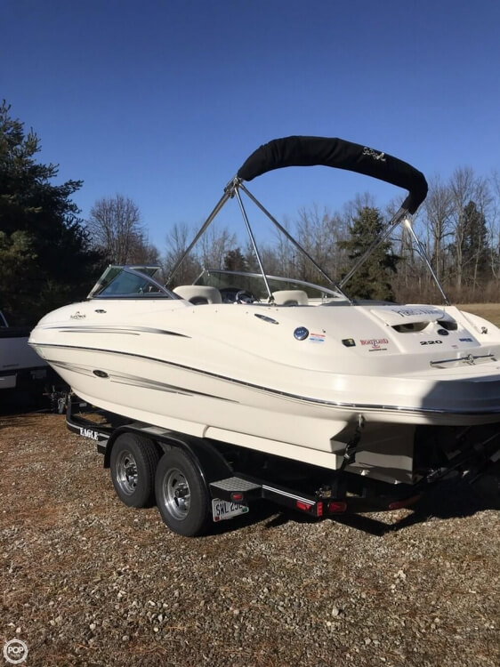 Sea Ray 220 Sundeck 2008 Sea Ray 23 for sale in Lewisburg, OH