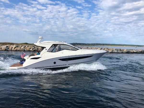 Sea Ray 350 Sundancer Coupe