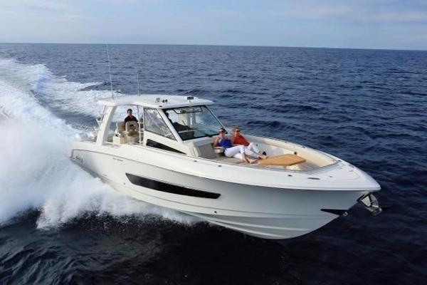 Boston Whaler Outrage 420