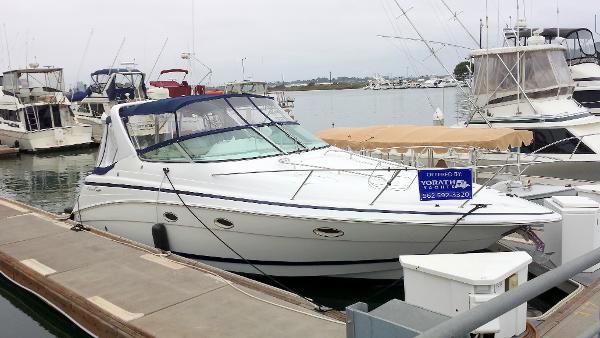 Chris-Craft Express Cruiser 328