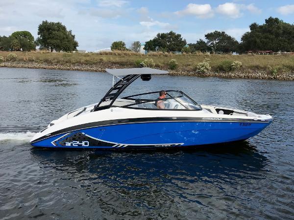 Yamaha Boats AR 240 HO