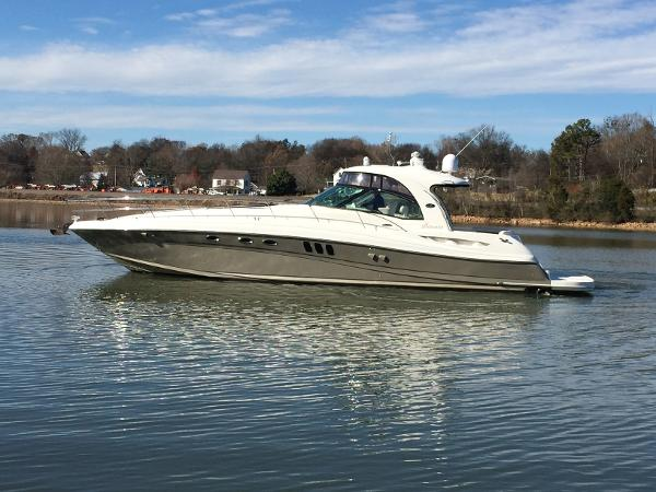 Sea Ray 52 Sundancer Port