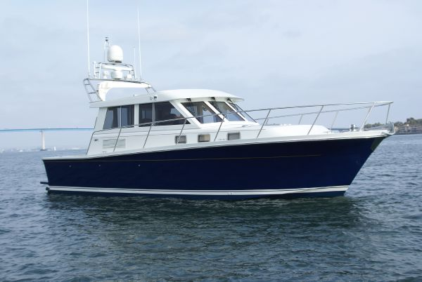 Norstar 360 Pilothouse Starboard Profile