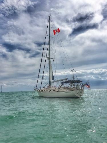 Island Packet 45 Tiki Hut at anchor